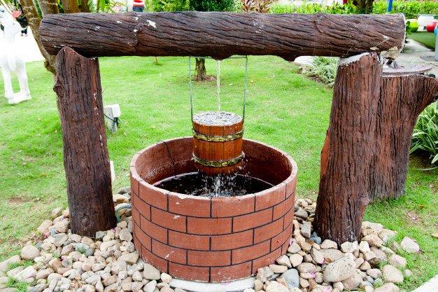 studňa v záhrade